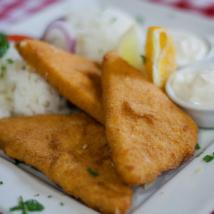 Trappista sajt rántva rizzsel, tartármártással